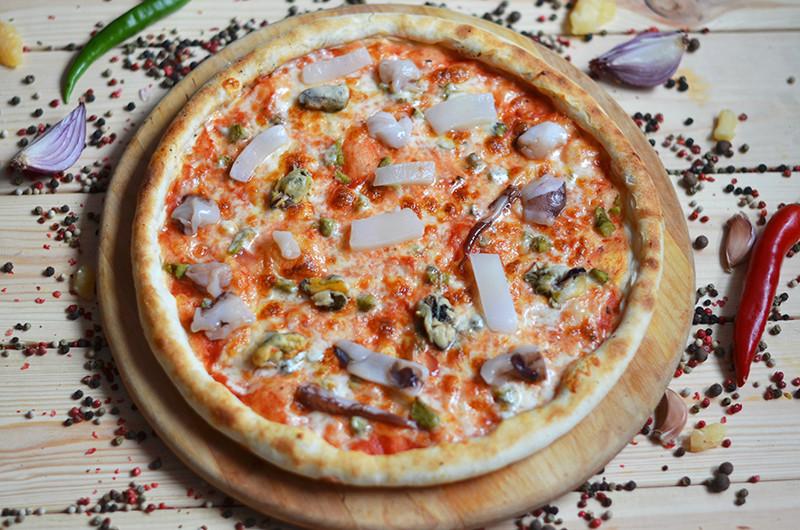 """Пицца от 7,50 руб/до 390 г, комплексы пицц от 21 руб/до 1260 г в кафе """"Сицилия"""""""