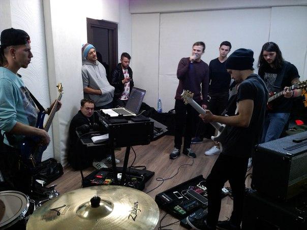 Студия звукозаписи, репетиционная точка, игра на инструментах от 9,90 руб.