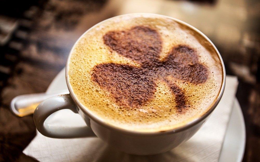 """Кофе, выпечка, десерты от 1,20 руб. в кофейне """"Faces"""""""