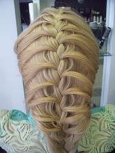 """Плетение 9 видов косичек всего от 5 руб. в центре красоты """"Lakme"""""""