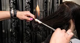Стрижка огнём (лечебный обжиг волос) от 39 руб.