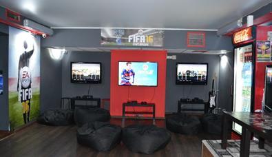 """Аренда VIP-комнат в развлекательном клубе """"Soho"""" всего от 37,80 руб. за 4 часа"""