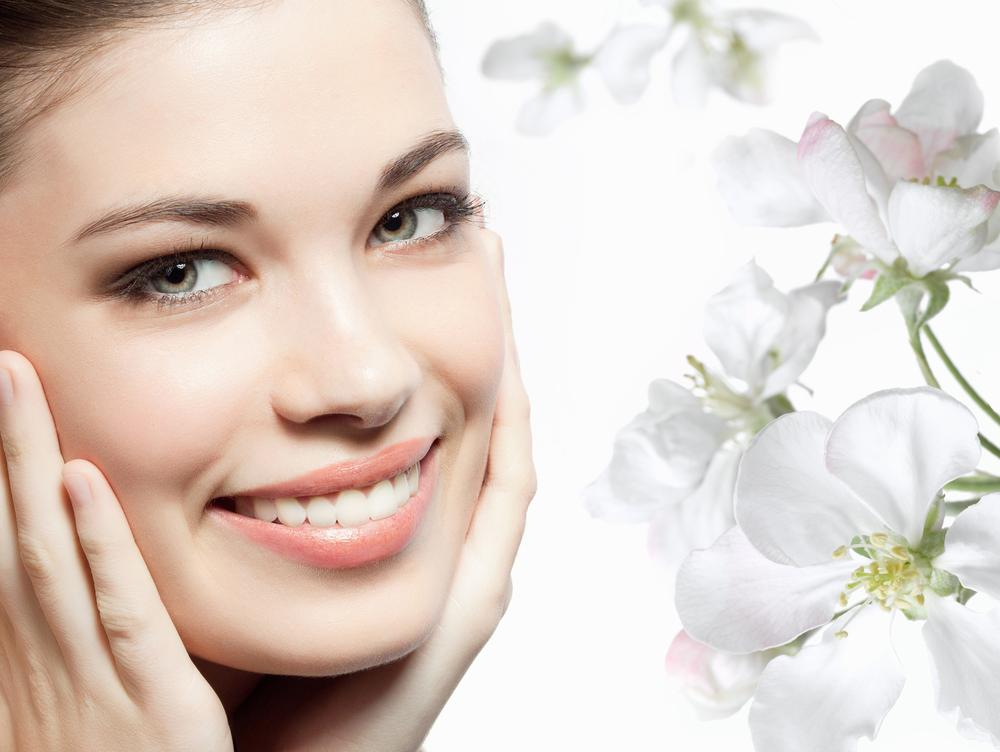 Чистка лица, пилинги, уходы, массажи + бесплатная консультация косметолога от 15 руб.