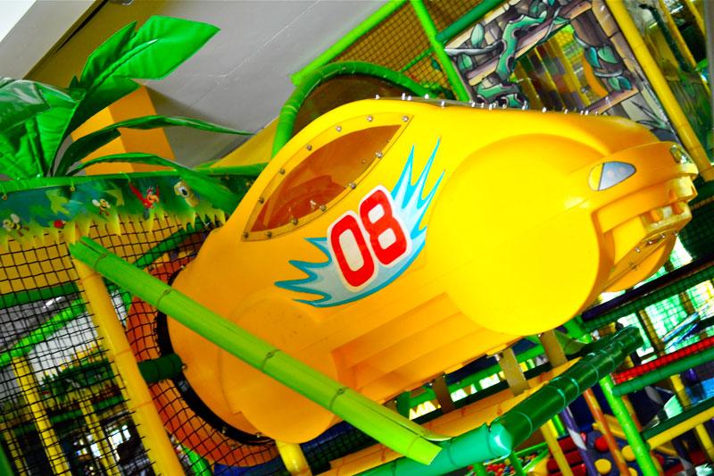 Детский лабиринт с игровыми аттракционами на целый день за 7,50 руб.
