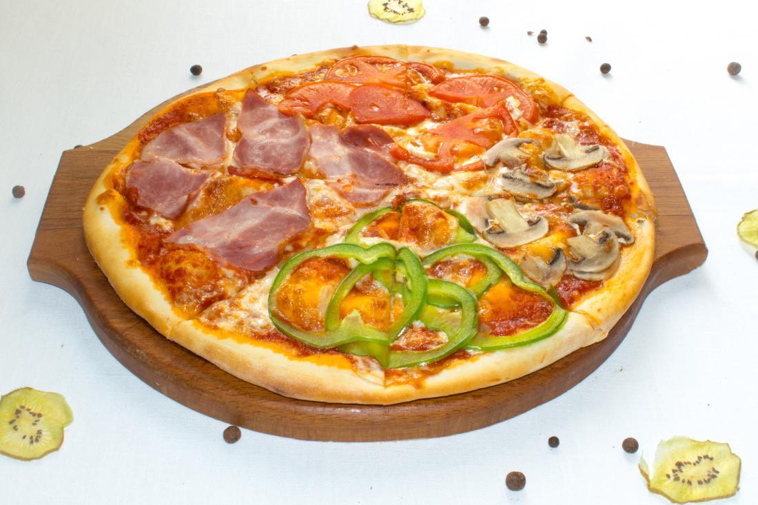 "Пицца на выбор всего за 1 руб. от кафе ""Золотая горка"""