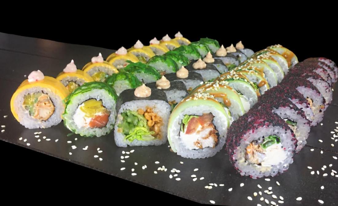 Два суши-сета на выбор за 19 руб./до 1200 г + доставка или самовывоз