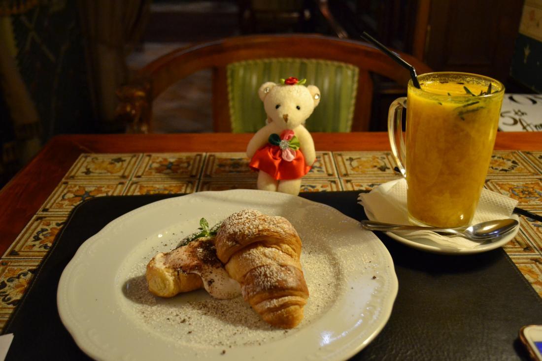 """Ужин в уютном кафе """"Моя Английская Бабушка"""" на К. Маркса за 30 руб."""