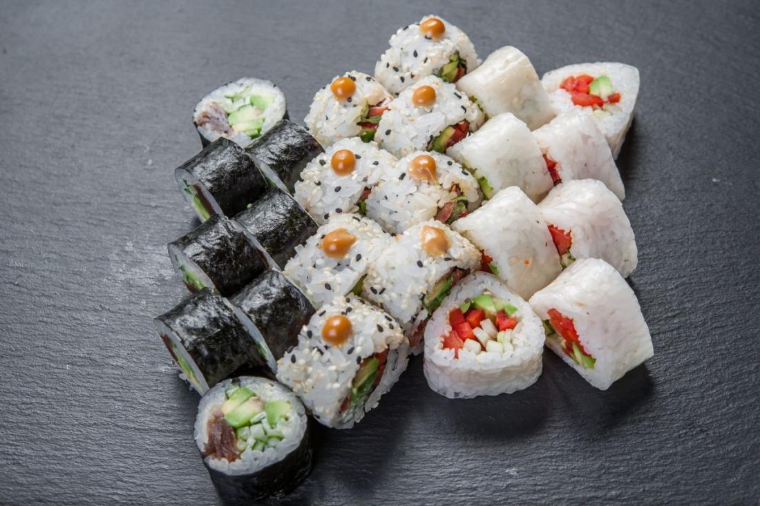 """Все меню суши и 14 суши-сетов от """"SushiRoom"""" всего от 13 руб."""