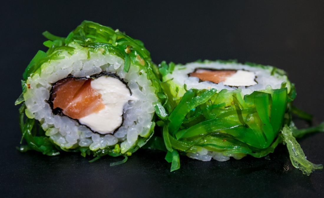 "15 аппетитных суши-сетов от 6 руб/ до 1230 г от ""Roll Time"" + доставка и самовывоз"