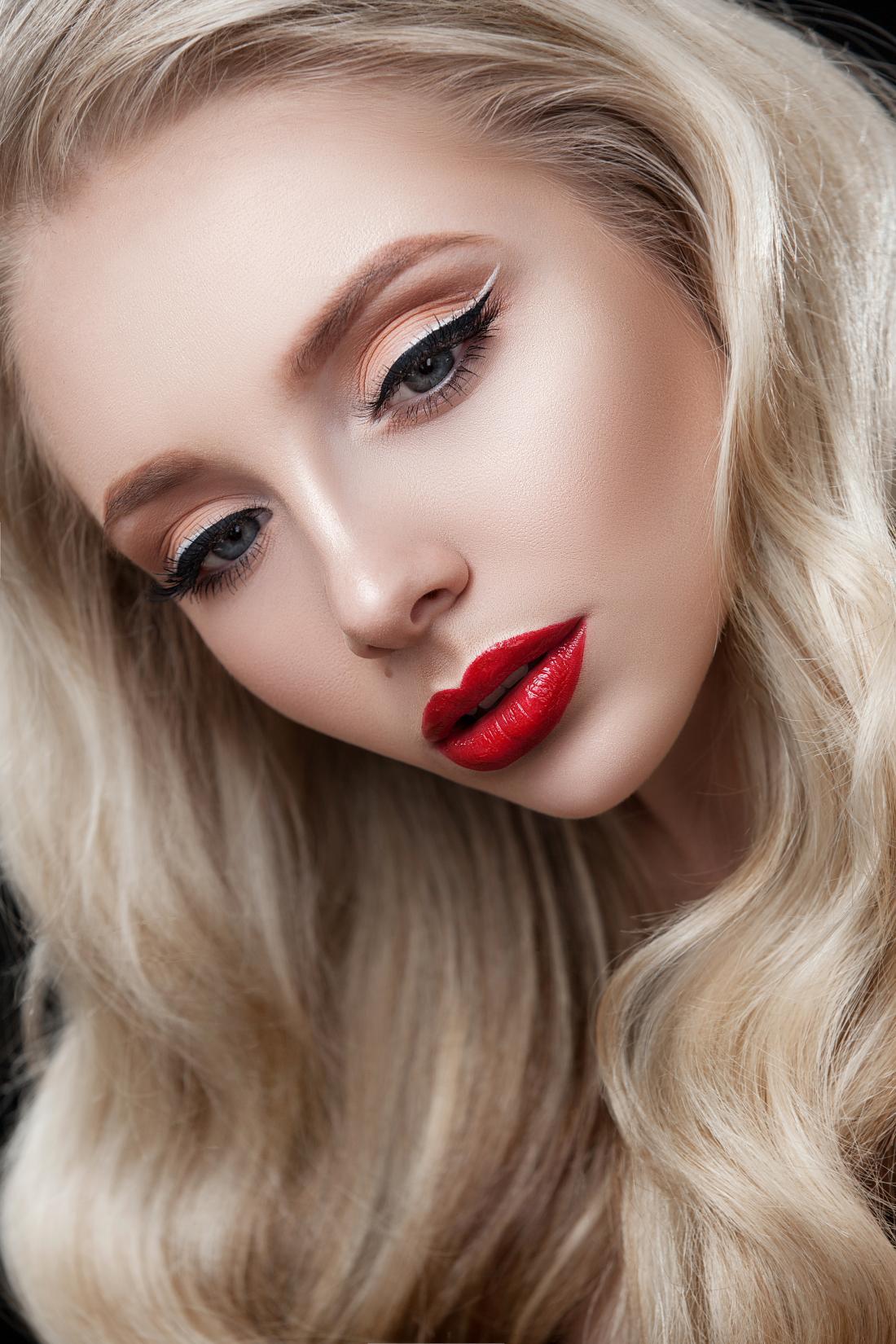 Моделирование, биотатуаж бровей, вечерний макияж от 12,50 руб.