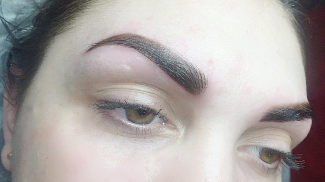 """Перманентный макияж от 45 руб. в салоне-парикмахерской """"Венеция"""""""