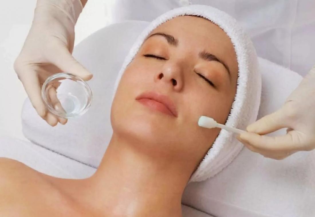 """Массаж лица, уход/восстановление для кожи, пилинги, чистка от 15 руб. в студии """"Велюр"""""""