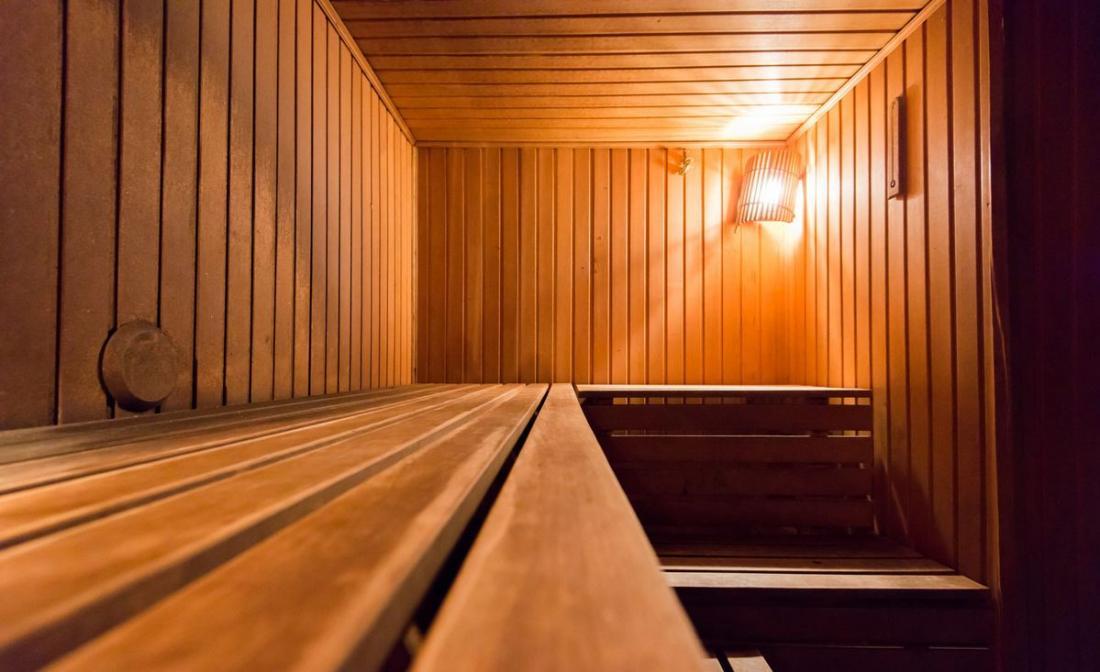Круглосуточное посещение сауны (русской бани на дровах) от 11 руб/час