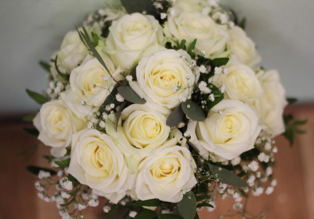 Свадебная флористика, стильные букеты, композиции, розы, гвоздики от 2 руб.