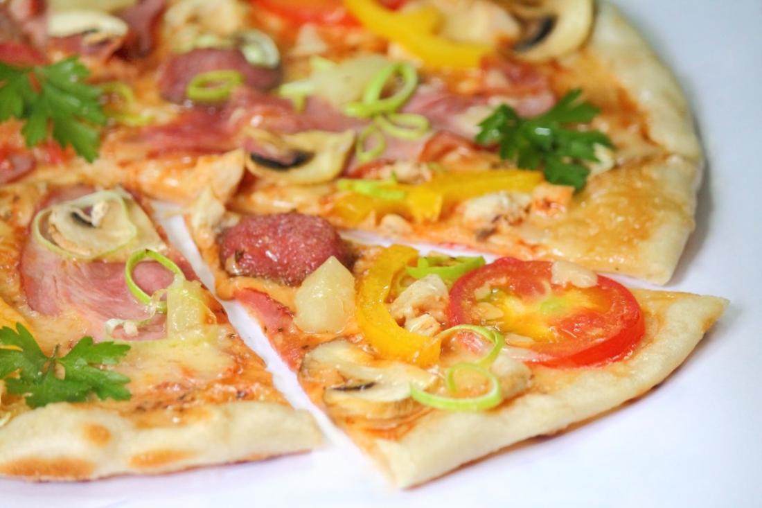 """24 вкусные пиццы всего от 4,85 руб. в кафе """"Фиолент"""""""