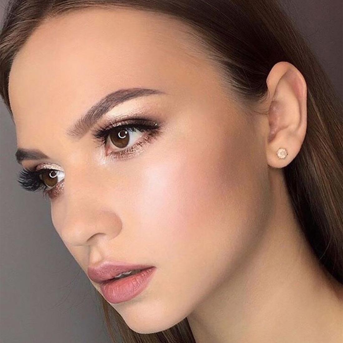 """Коррекция и окрашивание бровей от 7,50 руб, макияж от 28 руб. в салоне """"Salon 104"""""""
