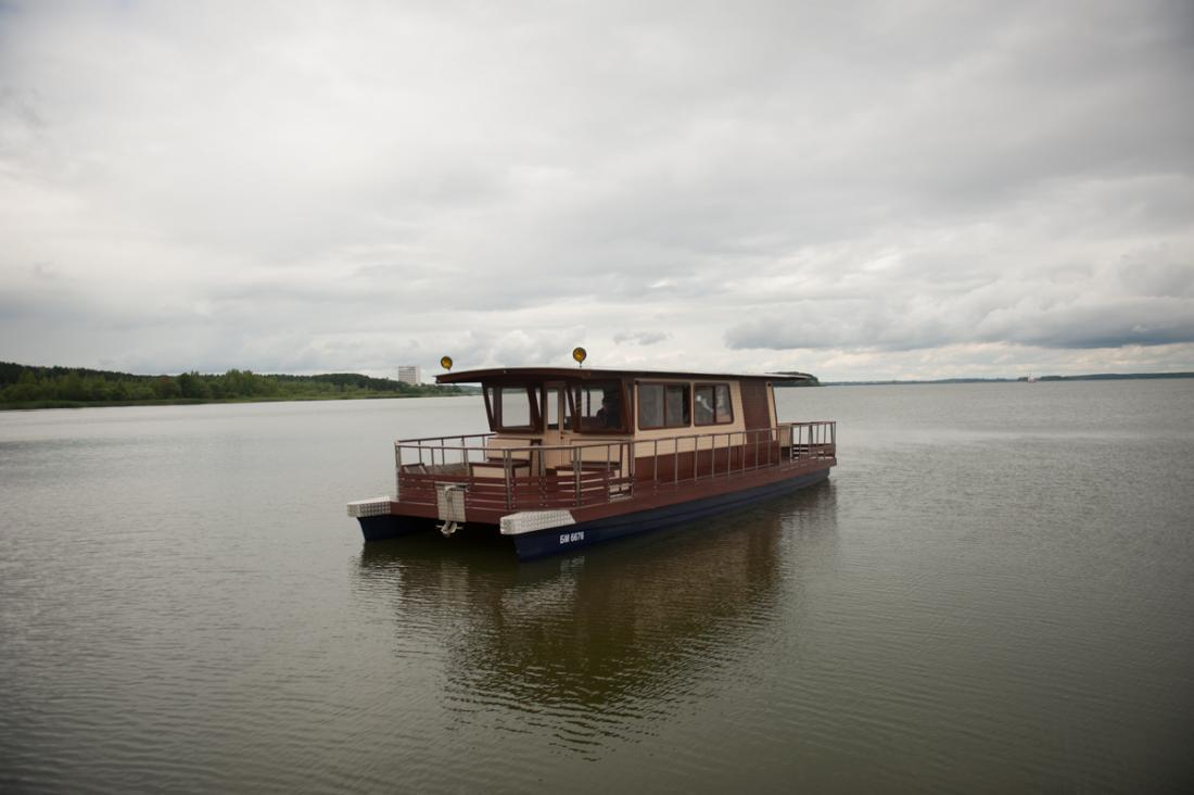 """Круглосуточная прогулка на комфортной и вместительной моторной яхте """"Мания"""" от 50 руб/час"""
