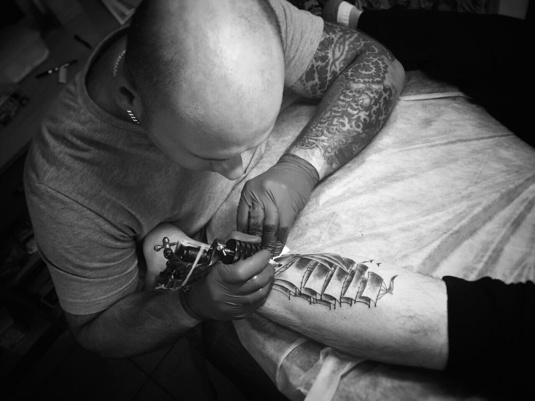 """Татуировка, перекрытие тату от 25 руб. в центре красоты и татуировки """"Лея"""""""