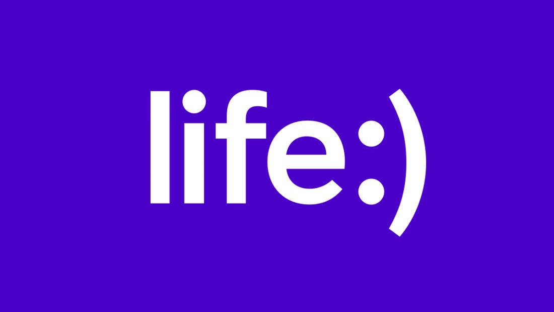 """Оклейка гидрогелевой пленкой телефона, планшета от 14 руб. в салоне """"Life:)"""" в Бресте"""