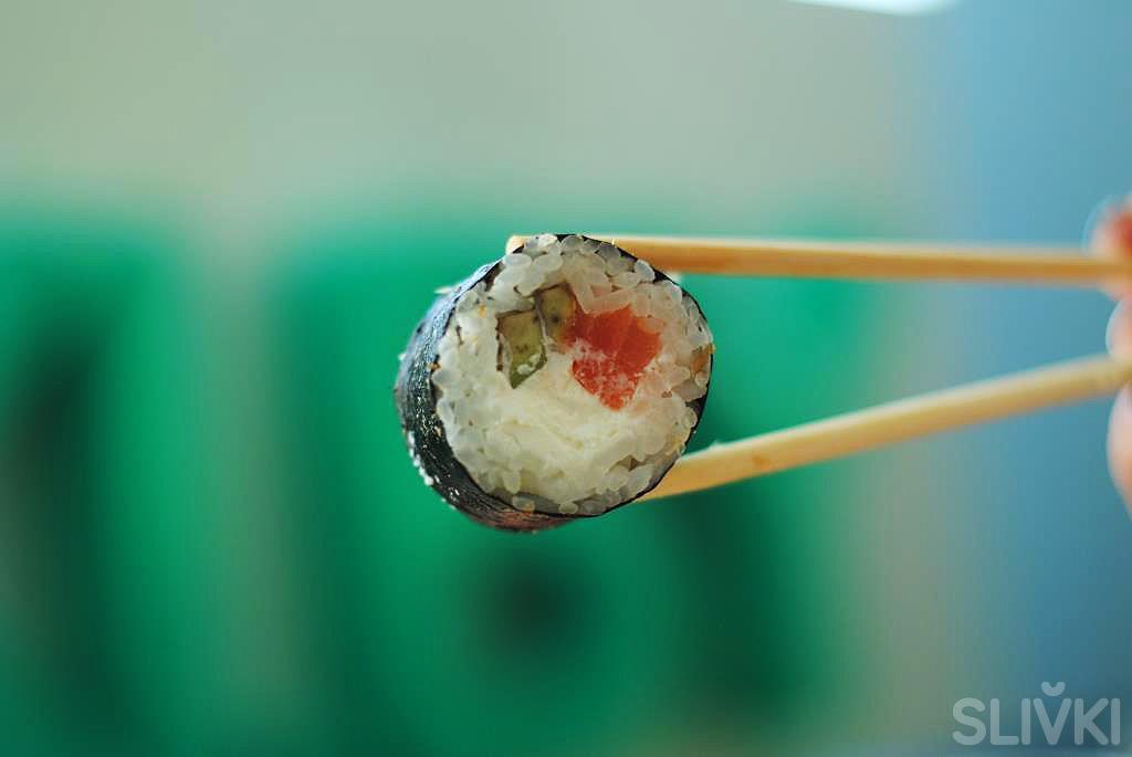 """Новинка на сайте! Огромные суши от """"Пицца Хит"""""""