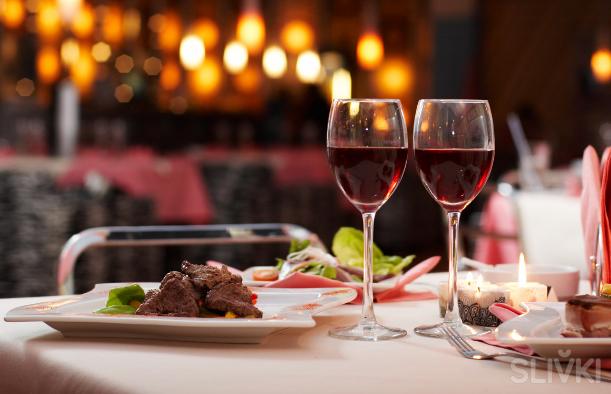 В каких заведениях вам предложат  ужин на двоих со скидкой?
