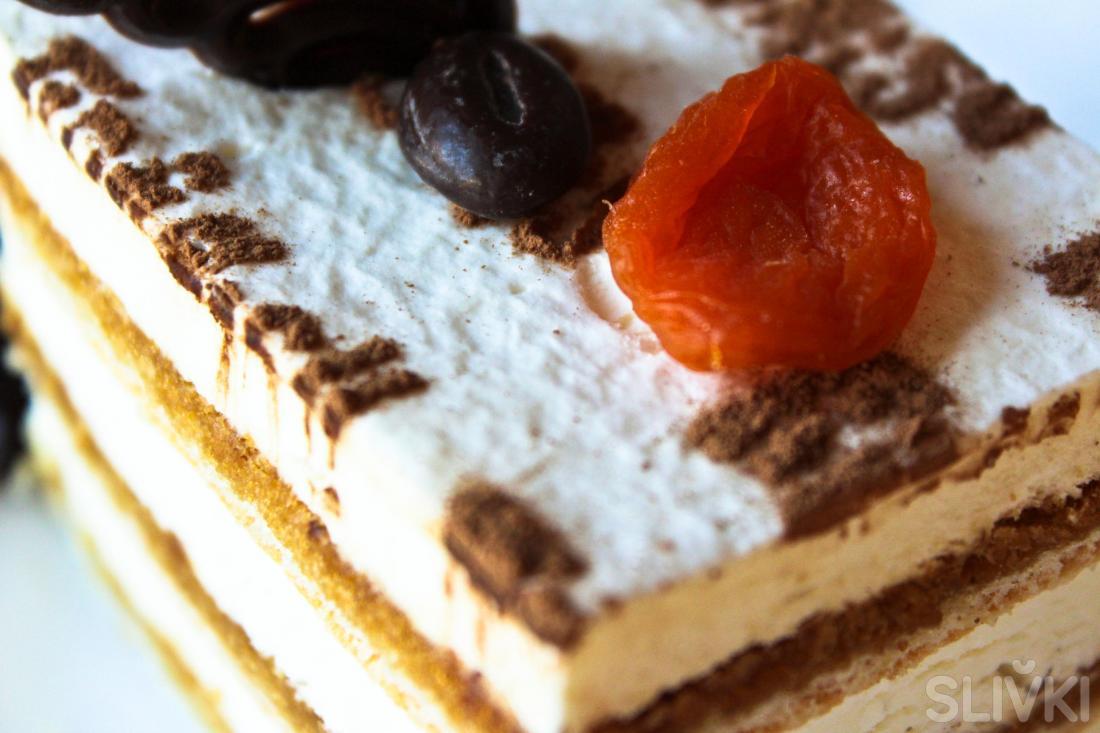 """Десерты от 0,85 руб. в кофейне """"Шоколадница"""""""