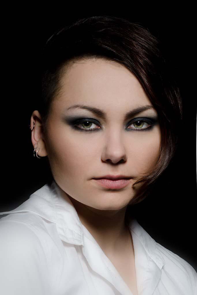 """Прическа, макияж, маникюр/педикюр всего от 17,99 руб. в студии красоты и татуировки """"Богема"""""""