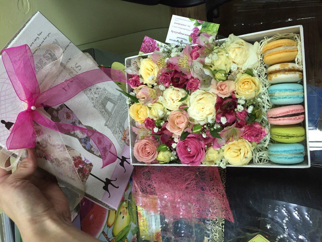Цветы и сладости для любимой всего от 35 руб.