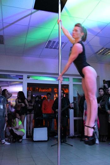 Воздушные полотна или кольцо, Pole dance, стрип-пластика всего от 4,10 руб./занятие
