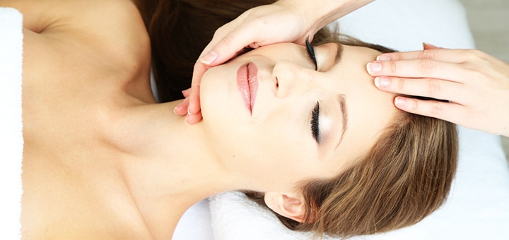 Механическая чистка, пилинги, косметические уходы, массаж лица от 17 руб.