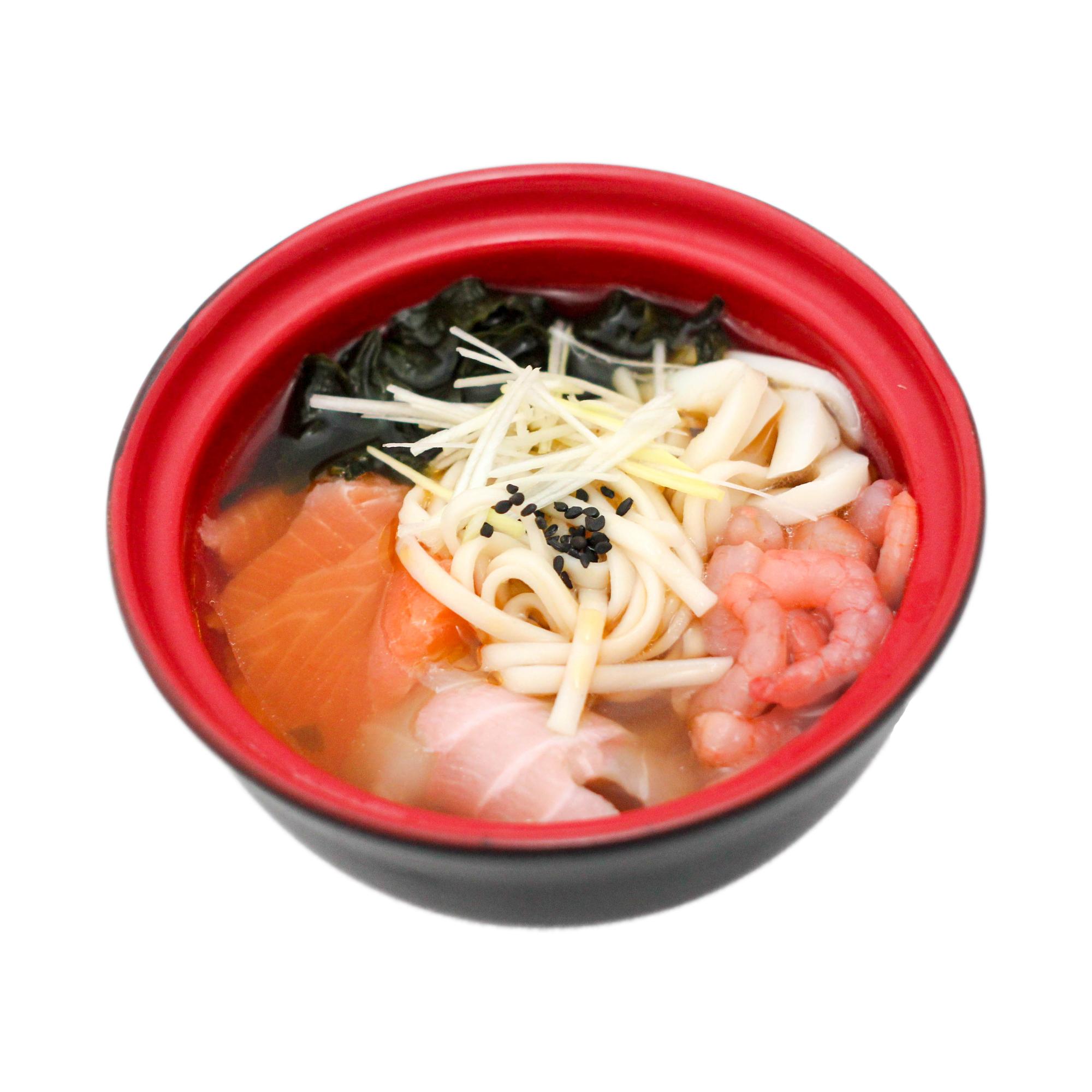 суп с морепродуктами и лапшой удон
