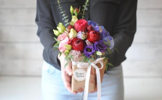 Цветы в подарок минск сливки, остров цветов интернет магазин ялта