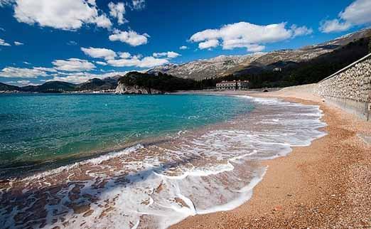 Черногория июнь температура воды в море
